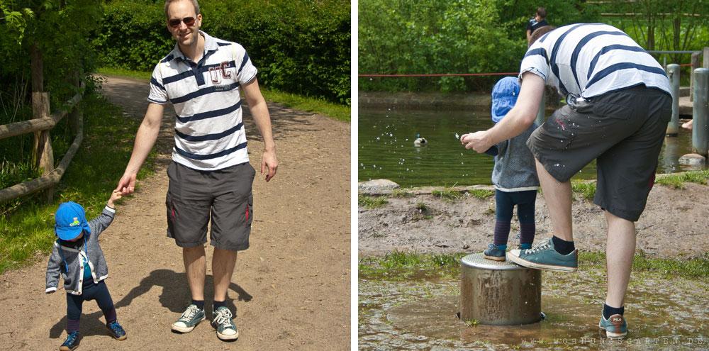 Julian udn Tristan erkunden den Wasserspielplatz